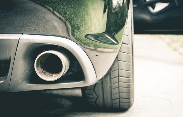 車検におけるマフラーの騒音規制はどのくらい?測定方法なども紹介