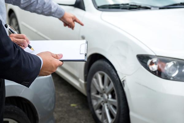 車検の際にチェックする点検項目は?外観から装置まで分かりやすく紹介