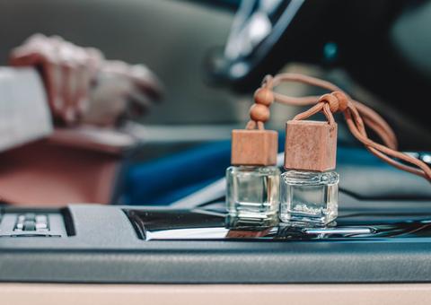 消臭&抗菌加工で車内をきれいに保とう!抗菌のすすめ